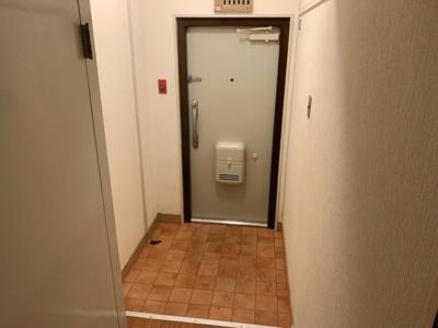 落ち着いた玄関です。