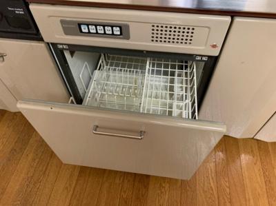 食器洗浄機つきのキッチンです。