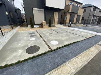 駐車スペースです。駐車スペースは来客時にも便利な2台~3台駐車可能です。