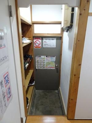 橋本荘 共用玄関
