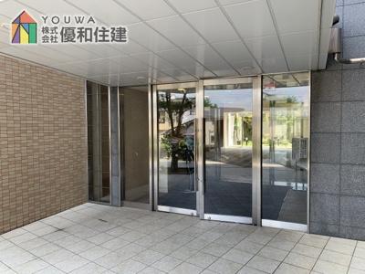 【玄関】ルネ・ヒルトップフラッツ