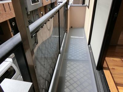 【現地写真】 お洗濯物を干すスペースとしても十分な広さがあります♪
