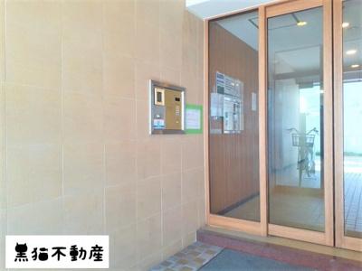 【エントランス】ユース白壁