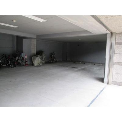 【駐車場】マノアール・泉