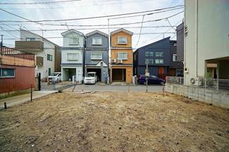 南面道路で日当たり良好な新築3階建て!! 是非、現地をご覧ください!!