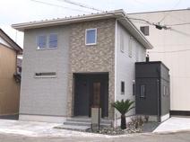 岐阜市錦町 新築建売全1棟 吹抜けのあるリビング!テレワークスペースあります。土間収納・パントリー♪の画像