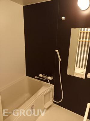 浴室乾燥機付きのユニットバス♪雨の日も室内干しで洗濯物がカラっと乾きます♪