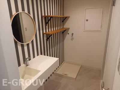 洗面室から浴室・トイレに繋がります♪海外風の便利な間取りです!