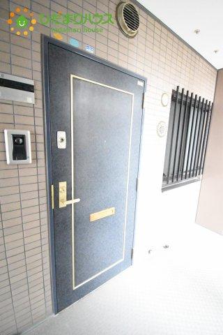 【玄関】鴻巣市東1丁目 中古マンション コスモ鴻巣ロイヤルフォルム