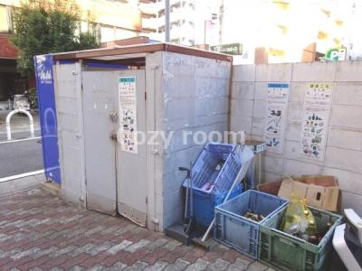 敷地内ゴミ置き場です。