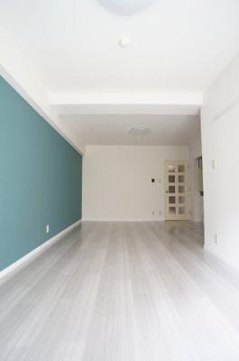建物は新しくはありませんが、室内は大幅リノベーション済み。一見の価値あり。