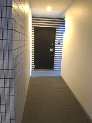 このお部屋だけ独立した共用廊下です