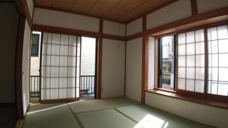 八千代市八千代台西 中古戸建 八千代台駅 6畳の和室は2面採光で日当たりも良好です!