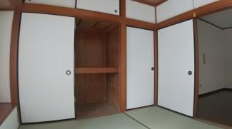 八千代市八千代台西 中古戸建 八千代台駅 和室には1畳の押し入れ付きです。
