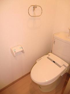 イメージ画像になります。 温水洗浄便座が付いています
