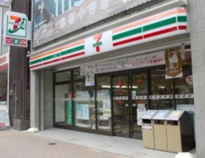 セブン-イレブン麻布十番駅前店(コンビニ)まで161m