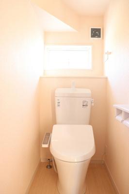 (同仕様写真)1Fと2Fにトイレを確保