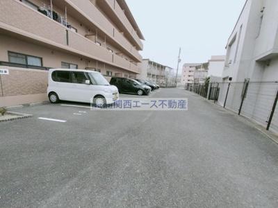 【駐車場】アムール新石切