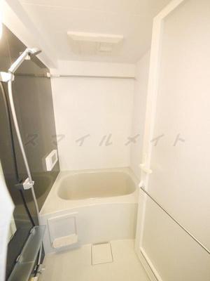 稀少な浴室テレビに追い焚き・浴室乾燥機能付きです。