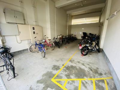 【駐輪場】緑地公園パークマンション
