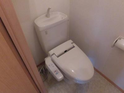 D202 温水洗浄暖房便座