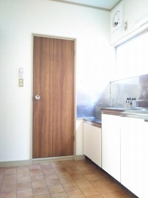 キッチン、トイレ入口
