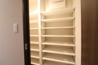 【収納】大容量の8段シューズインクローゼット!散らからない玄関を。