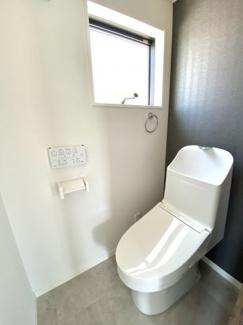トイレのアクセントクロスも是非ご覧ください。