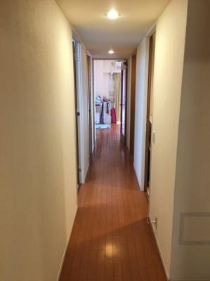 広々した廊下です