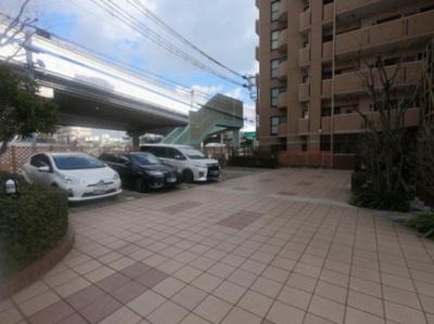 ゆったりとした駐車スペース ※空き状況は要確認