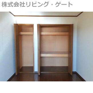 大きい収納です。お部屋もスッキリ片付けられます。