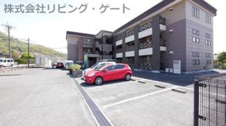 駐車場1台込みです。2台目:2,000円/月。