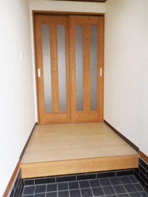 【玄関】茱萸木戸建