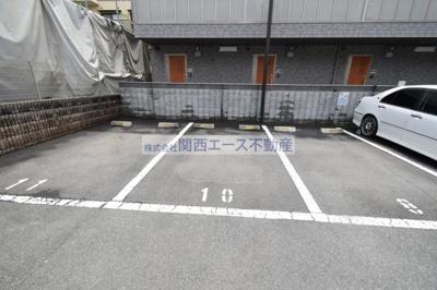 【駐車場】オークウッド