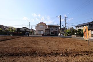 グランファミーロ八幡 奥行きもある土地ですので、駐車場もしっかり確保し、ゆったり家を建てることができます。