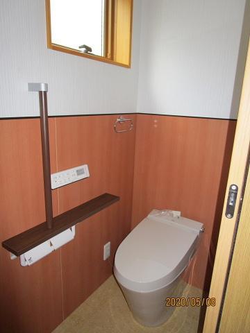 タンクレストイレ すっきりとしたデザインが特徴です