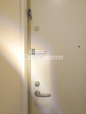 玄関のカギは、ダブルロックなので安心