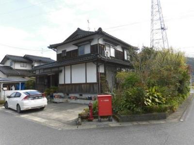 【外観】鳥取市河原町鮎ヶ丘中古戸建て