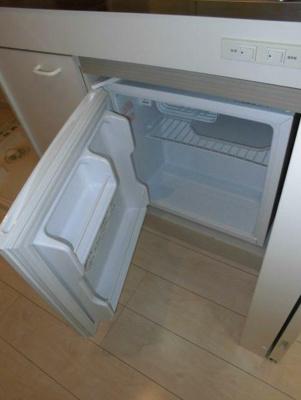ミニ冷蔵庫付き(同一仕様)