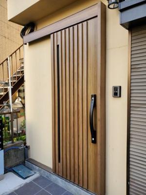 【玄関】新宿区新宿7丁目テラスハウス【仲介手数料半額】