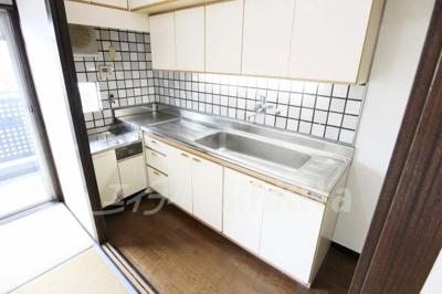 【キッチン】クリスタルシャトー