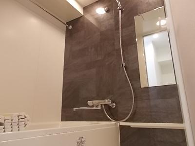 【浴室】レジデンシア花の木