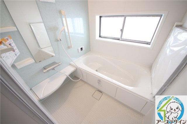 雨の日のお洗濯にも便利な浴室乾燥機付き♪ 浴室乾燥機付なので雨の日や花粉の気になる季節のお洗濯に大活躍です♪