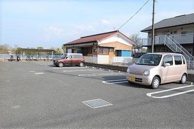 【駐車場】ラフォーレ西砂