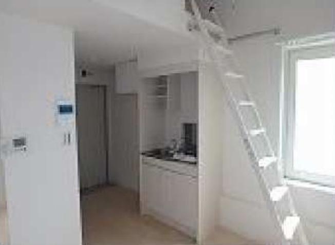 フェリステンダーの明るい室内です(コンパクトサイズです・お部屋の清掃が楽です)☆