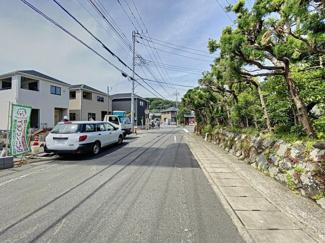 【前面道路含む現地写真】三島市徳倉第4 新築戸建 全5棟 (5号棟)