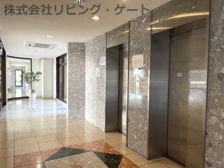 エレベーターです。買い物した時など楽ですよね。