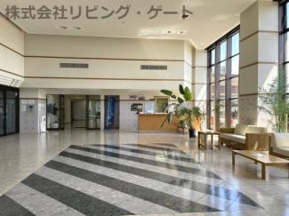 清潔感のあるエントランスです。まるでホテルみたいですね!
