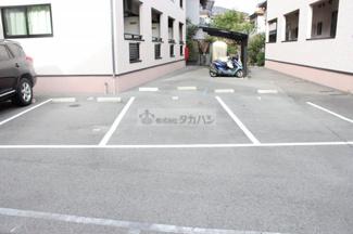 【駐車場】アトリア A