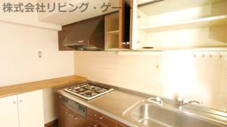 キッチン収納もたっぷりあります。整理整頓できますね。